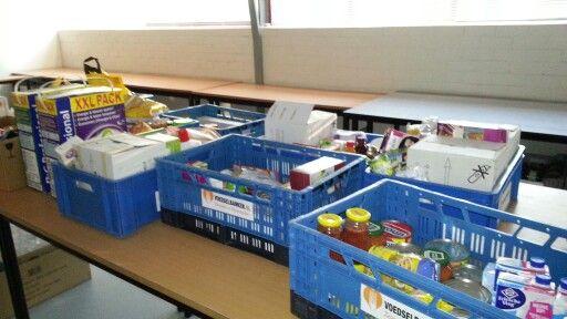 """prachtige opbrengst bij de Sterrenschool na de actie """"kijk eens in je keukenkastje"""" voor Voedselbank Zevenaar Rijnwaarden"""
