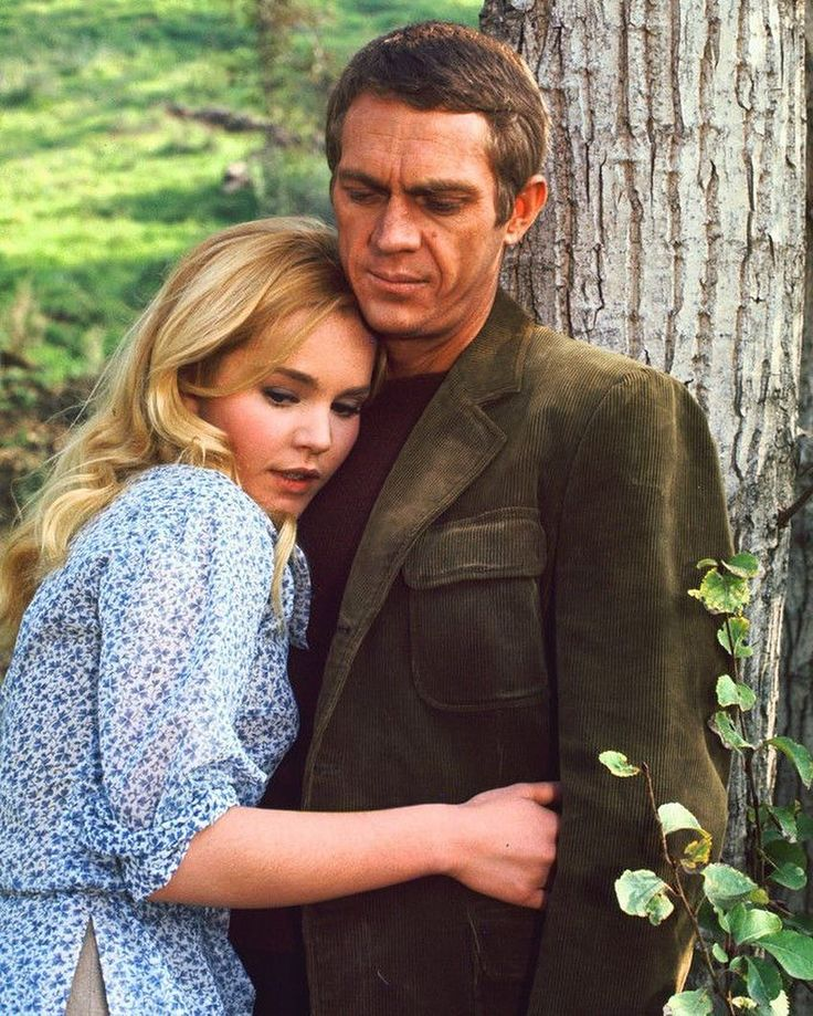 Steve McQueen wears an olive corduroy jacket on set with co-star Tuesday Weld, 1963. Click the link in our bio to read how to wear corduroy like McQueen this autumn.
