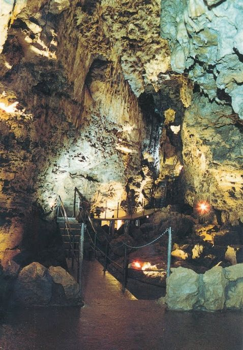 MVC raising funds to buy Kickapoo Indian Caverns   Courier Press