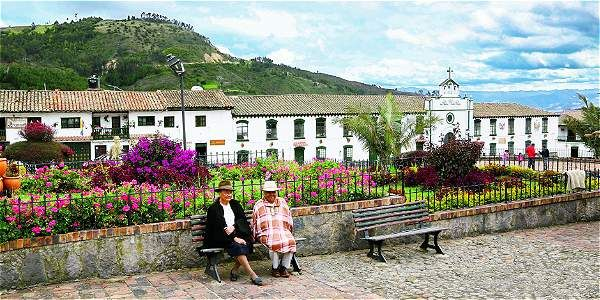 Destinos como Monguí, en Boyacá, atraen a viajeros extranjeros con su patrimonio y naturaleza. Colombia