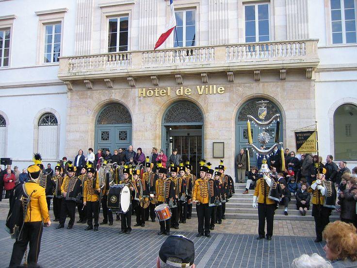 Chalon sur Saone - Carnaval 2008 les Zigeunerinsel devant la mairie