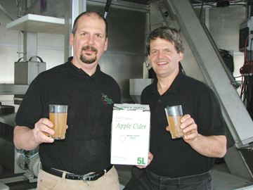 Travelling Clarington cider mill will be at Albion Orchards making fresh apple cider this fall season.