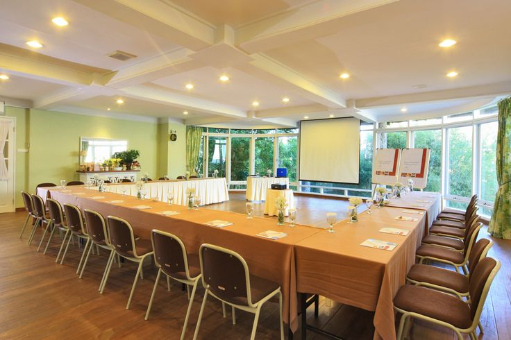 Summit MEETING ROOM    -  Dimension : 10m x 10m    -  Air Conditioned Meeting Room    -  Private Dining facilities Room capacity Ideal Max Classroom 40 50 Theatre 80 100 Double U-Shape 55 70 Double V-Shape 40 http://www.novushotels.com
