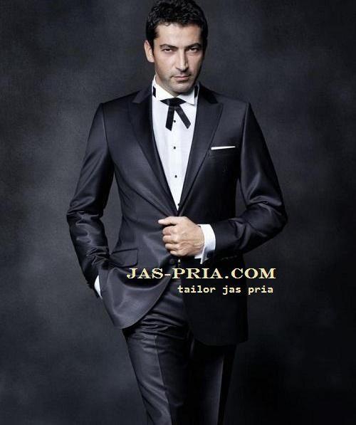 jas pengantin pria dengan model modern cocok dipakai melengkapi pakaian untuk pernikahanmu harganya murah untuk kualitas juga terjamin mutunya dijual online