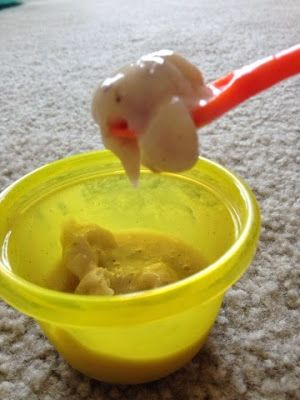 """Breastmilk Banana """"Ice Cream"""" for Teething Babies Ingredients • 1/2 banana, sliced • 1/2 tsp cinnamon (OPTIONAL!) ***my son loves cinnamon;however your baby may not or may be ALLERGIC so speak to your pediatrician FIRST on how to introduce spices*** • 1 oz. Breastmilk Directions 1. Freeze banana slices for at least two hours. 2. Place frozen banana slices, cinnamon (if you choose to use), and Breastmilk into a food processor such as Baby Bullet. 3. Serve immediately or sfreeze"""