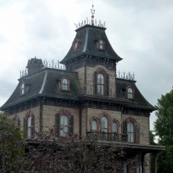 Real Haunted Houses | Haunted House Stories with Videos
