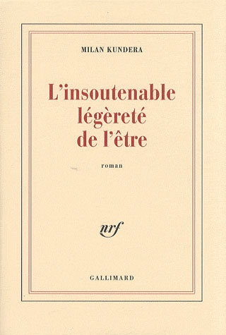 """L'insoutenable légèreté de l'être, Milan Kundera. Gallimard, 1984. """"Celui qui veut continuellement """"s'élever"""" doit s'attendre à avoir un jour le vertige. Qu'est-ce que le vertige ? La peur de tomber ? Mais pourquoi avons-nous le vertige sur un belvédère pourvu d'un solide garde-fou ? Le vertige, c'est autre chose que la peur de tomber. C'est la voix du vide au-dessous de nous qui nous attire et nous envoûte, le désir de chute dont nous nous défendons ensuite avec effroi."""""""