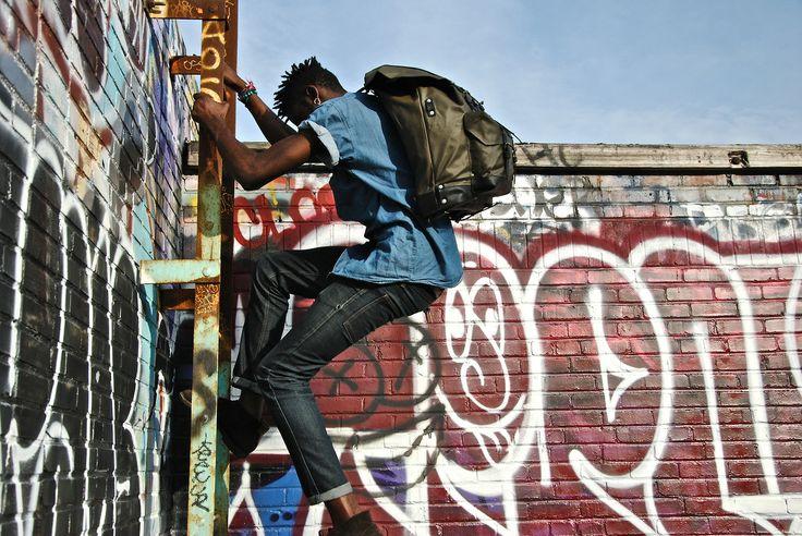 AUTHENTIQUE Explorer # 01 Montreal, Griffon town - CANADA #Authentique #backpack #leather #canevas