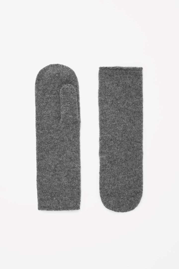 COS | Cashmere mittens