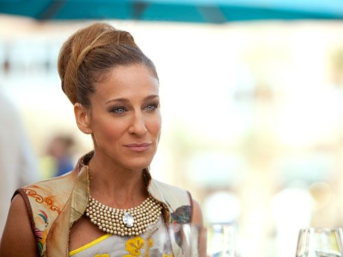 "Carrie Bradshaw's Hair Evolution: The ""It's Hot in Abu Dhabi"" Era"