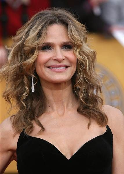 "Kyra Sedgwick wearing what we like to call the ""Fresh Farah."""