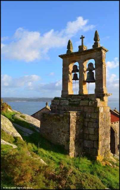 XOAN ARCO DA VELLA: IGLESIA DE SANTA MARIA - MUXIA  Galicia  Spain