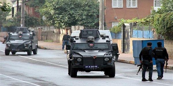 Ειδικές δυνάμεις καταδρομέων στέλνει η Τουρκία στο Ντιγιαρμπακίρ - Φουντώνει ο αστικός πόλεμος