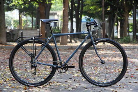 *SURLY*cross×check complete bike BLUE LUG custom  SPEC Frame: *SURLY*cross×check BLUE LUG CUSTOM PAINT by COOK PAINT WORKS Headset:*FAIRWEATHER* Wheels: *H PLUS SON* archetype rim × *SHIMANO* xt hub Stem:*FAIRWEATHER* MT-31 side clamp stem Tire: *WTB* all terrein Brakes:*SHIMANO* xt Brake lever:*AVID* Crankset:*WHITE INDUSTRIES* eno single speed crank RD:*SHIMANO* deore Handle: *NITTO* b354 heron bar Grip:*WTB* Saddle:*BROOKS* carved cambium C17 Rear rack:*BLACK BURN* central rear rack