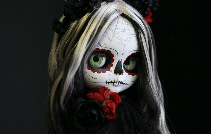 https://flic.kr/p/pC9eTN   Trece   Trece -- 13 --  is all things superstitious, spiritual and dark, celebrating both life and death during the the triduum  of All Hallows' Eve (Hallowe'en), All Saints' Day (All Hallows') and All Souls' Day.  She is a full custom Calavera Blythe and display stand for the Auguste Clown Gallery Halloween group show in Melbourne, Australia. I'm honored to participate, it is going to be an amazing show!  Contact Leigh at the gallery for inquiries and to be added…