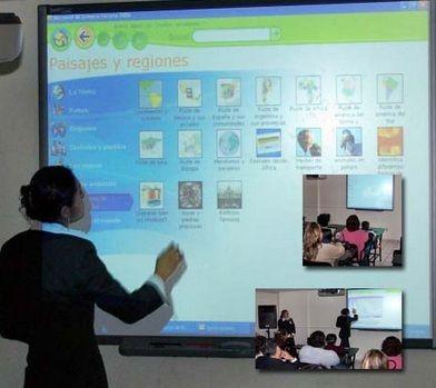 El rol del profesor transmisor de conocimiento se transforma en la educación digital para asumir el rol de mentor y guía del proceso de aprendizaje