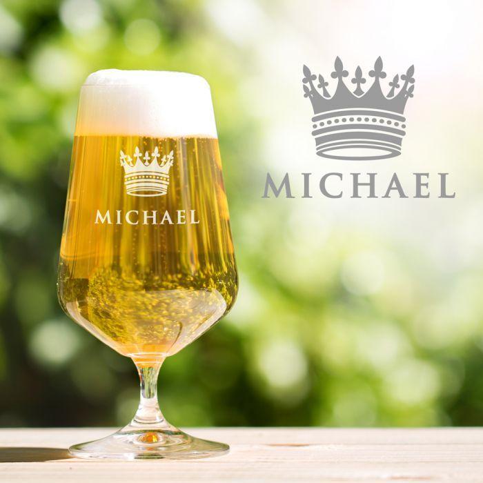Ein kühles Pils zum Feierabend, ist das nicht Jedermanns Lieblingsgetränk? durch dieses Bierglas mit Kronengravur wirst auch Du dabei zum Bierkönig ;) via: www.monsterzeug.de