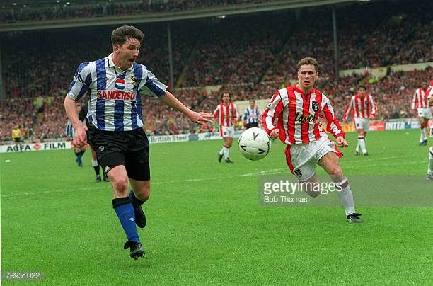 1993 FA Cup Semi Final at Wembley Sheffield Wednesday 2 v Sheffield United 1 Sheffield Wednesday's David Hirst on the attack