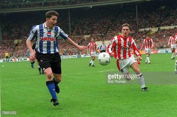 1993 FA Cup Semi Final at Wembley Sheffield Wednesday 2 v Sheffield United 1 Sheffield Wednesday's David Hirst on the attack