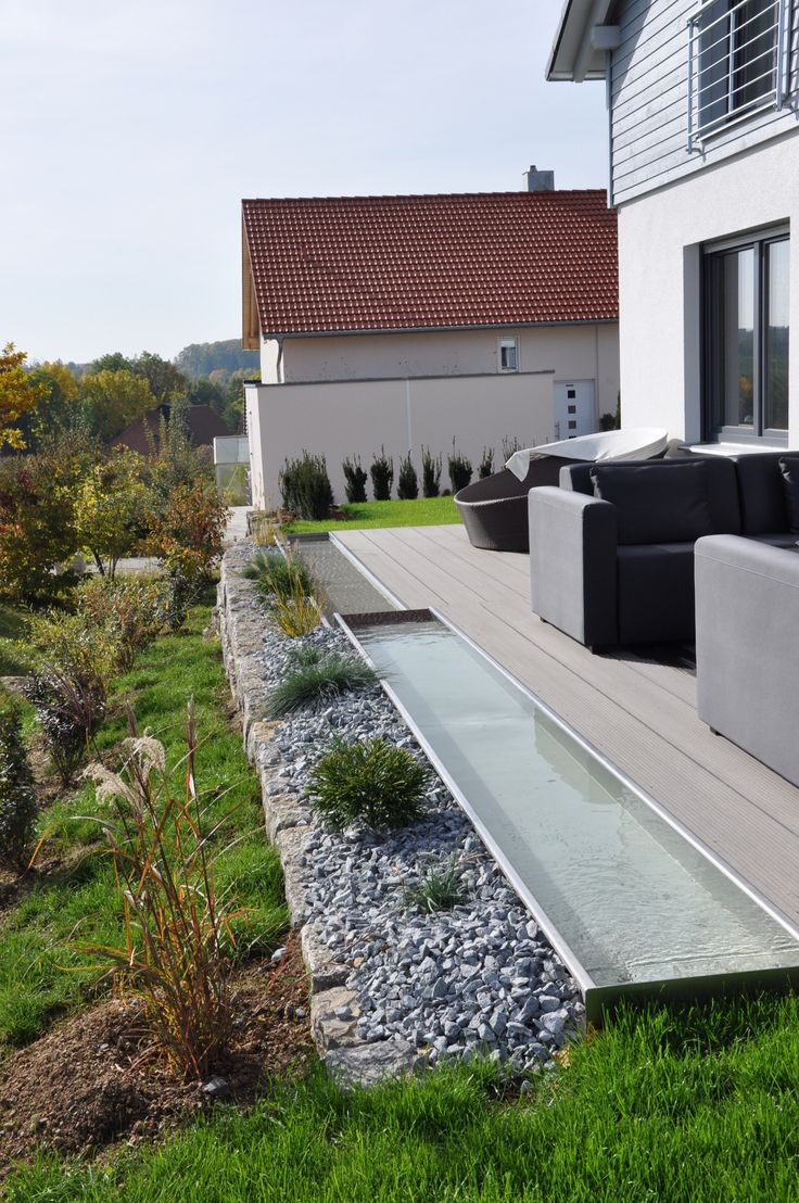 Wasserrinne garten terrasse pinterest terrasses for Terrasse entree maison