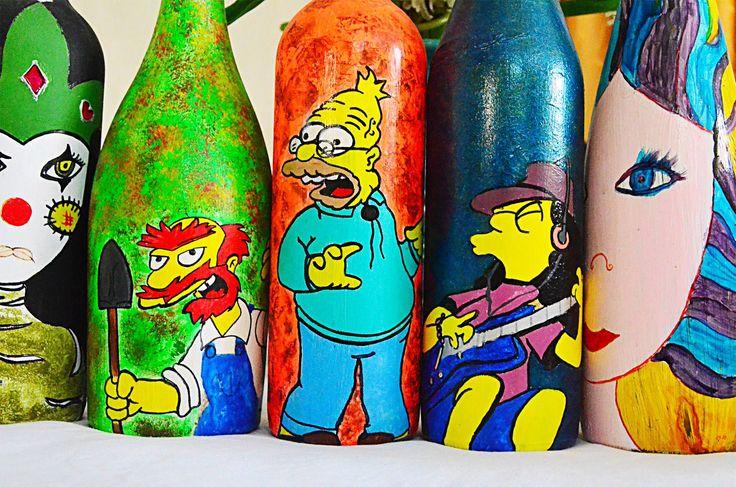 botellas pintadas a mano . disponibles visitenos en : https://www.facebook.com/gatotuertomandalas/?ref=hl