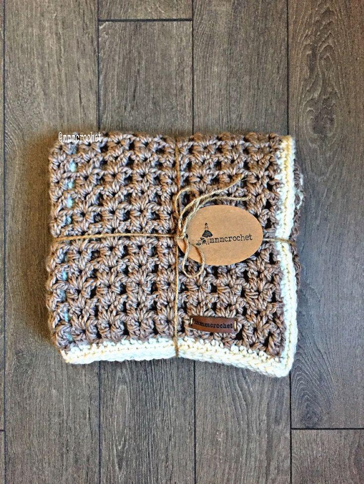 day nine.. baby blanket in khaki + cream! details on etsy, shop link in bio!
