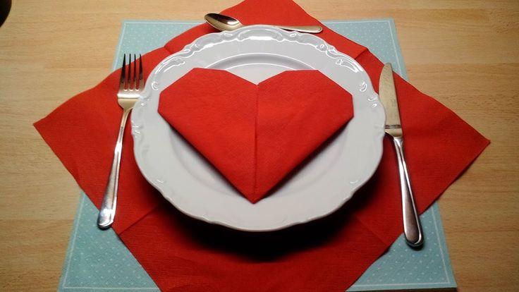 Tischdekoration erstellen durch Servietten falten       Hallo Steemers ✀    Heute möchte ich euch zeigen, wie man… by angel76