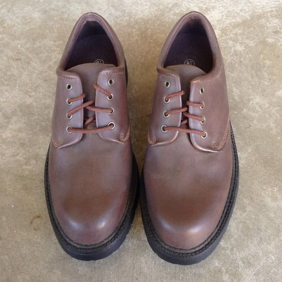 Men's Brown Boots - Size 8.5 Brown men's boots. Great for work. Rugged Outback Shoes