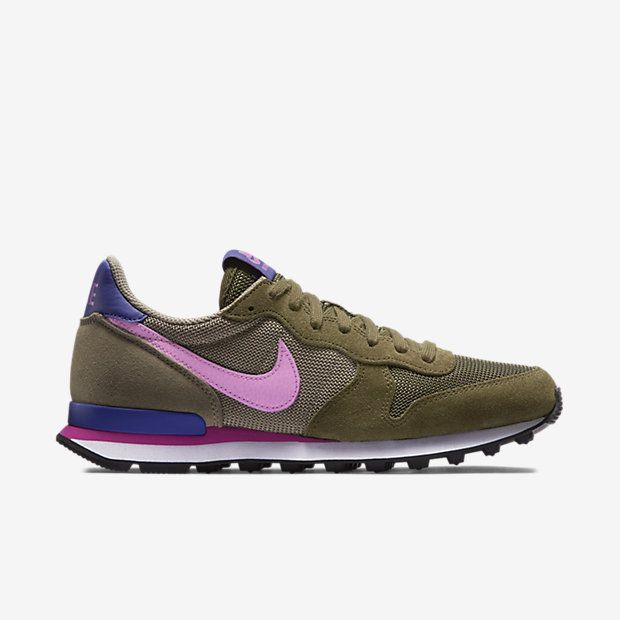 finest selection 605f3 5a77f Find this Pin and more on Internationalist Sneaker Nike.