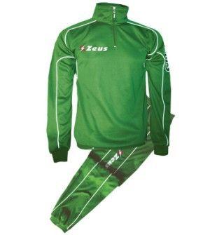 Zöld Zeus Krono Edzőmelegítő Szett kényelmes, masszív, praktikus, mellkasig cipzáros, légáteresztős, hímzett feliratú, utcai használatra is kiválóan megfelel a Krono edzőmelegítő. Tartós, könnyen szárad, csíkok szélesítő hatásúak, felső része pulóverként is nagyszerű választás, a teljes korosztály számára. Zöld Zeus Krono Edzőmelegítő Szett 8 méretben és további 5 színben érhető el.