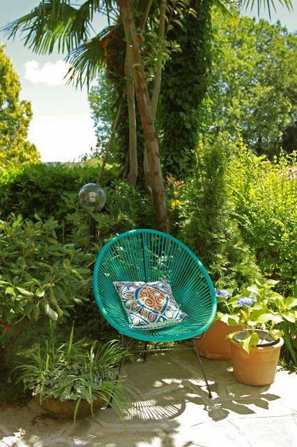 my garden at http://missfingertips.blogspot.com/   #turquoise #Acapulco chair