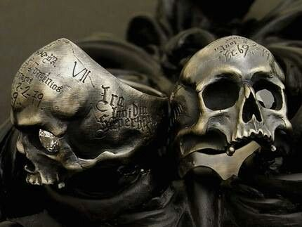 Skull rings, I feel like the Boondock Saints should be wearing these rings.