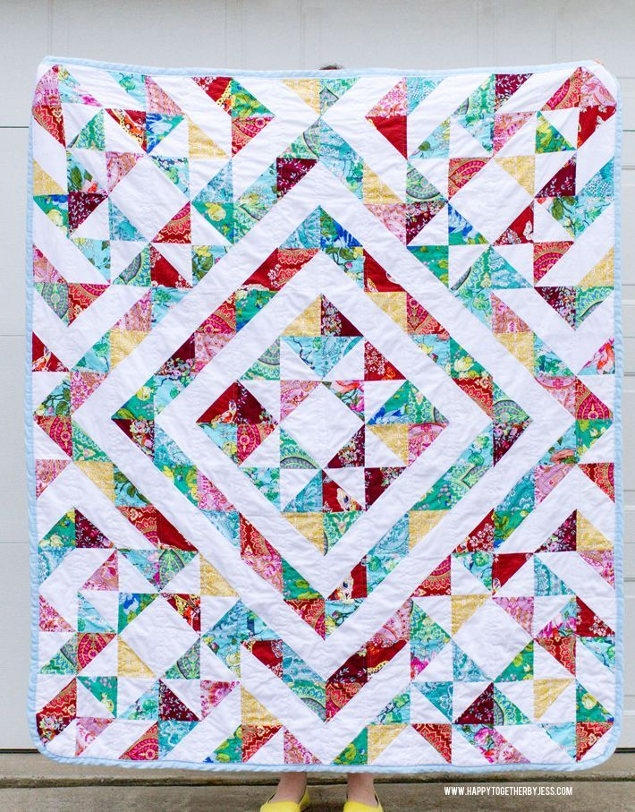 Quilt Patterns Using Squares And Triangles : 25+ best ideas about Triangle quilts on Pinterest Baby quilt patterns, Triangle quilt pattern ...