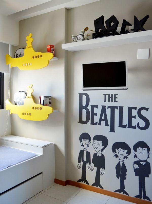 Quando pai e filho são fãs dos Beatles, o que pode se esperar da decoração do quartinho do pequeno? Muita rock n'roll e referências divertidas. Para compor