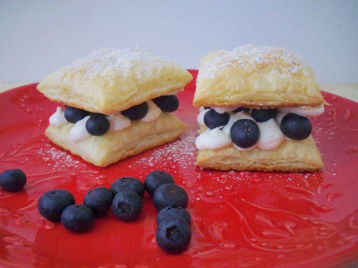 Aurea´s Kitchen: Dulce: Milhojas de arándanos y nata. Reto Lorraine Pascale.