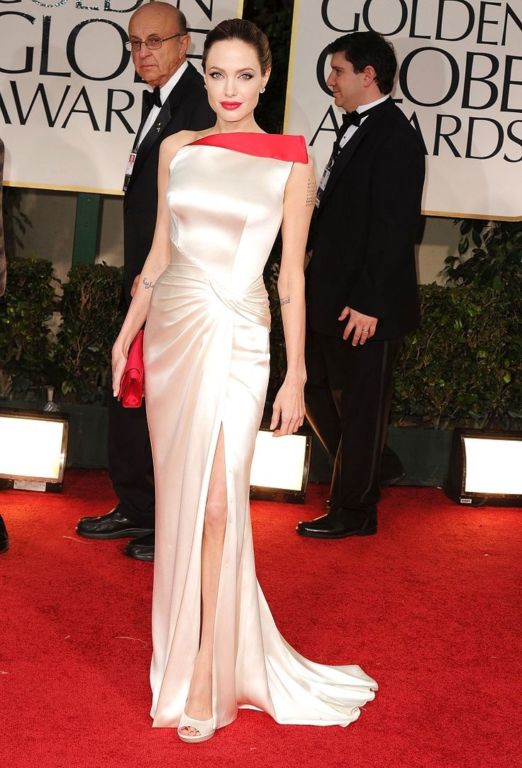 elle-15-hall-of-fame-Angelina-Jolie-Versace-Globes-2012-xln