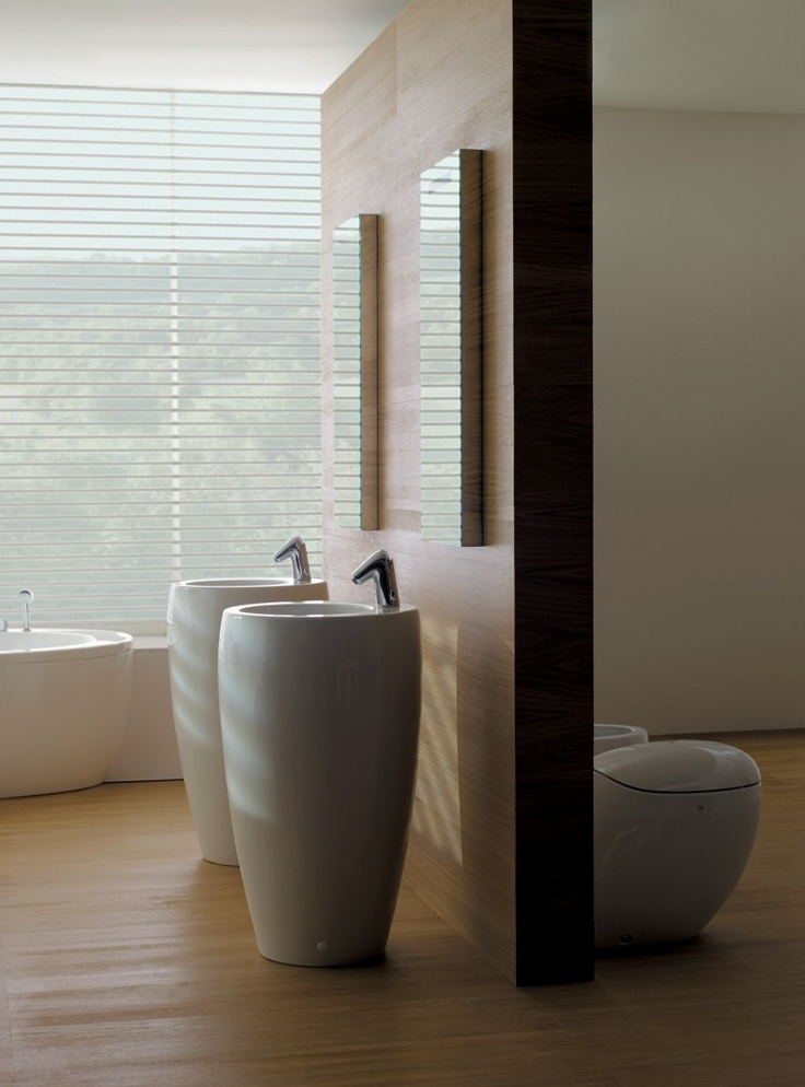 Il Bagno Alessi One bathroom. Faucets: Smart touchless faucets Il Bagno Alessi One by Oras, designed by Stefano Giovannoni.