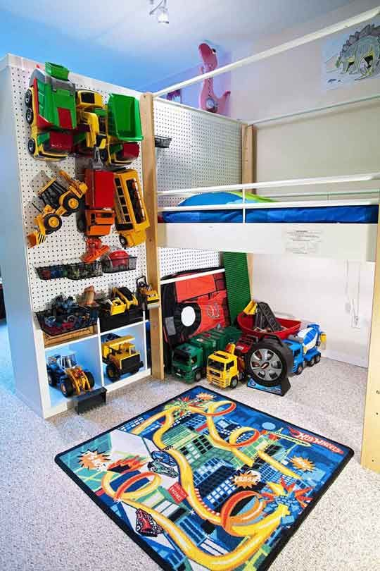 Love the peg board idea..thinking of placing some next to son's bed
