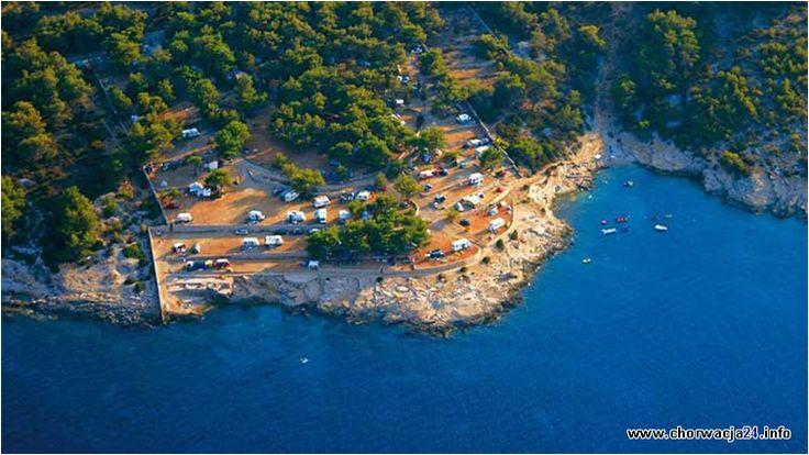 Jeden z najpiękniejszych campingów na wyspie Hvar w środkowej części Dalmacji. Jego usytuowanie w bezpośredniej okolicy miasteczka Vrboska to kolejny atut tego campingu. #vrboska #hvar #chorwacja #dalmacja