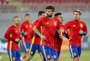 Gerard Pique will retire from International football - a huge blow Spain http://www.soccerbox.com/blog/gerard-pique-driven-international-retirement-blow-spain/
