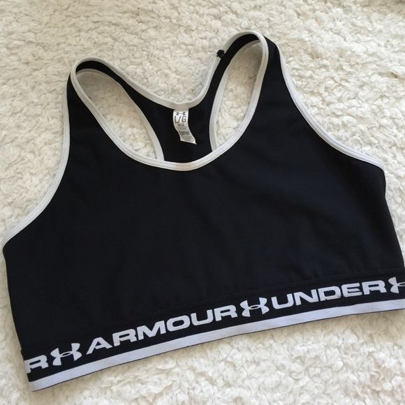 CLEARANCE SALE armour large Excellent Preowned condition under armour sports bra size large . Price is not negotiable Under Armour Intimates & Sleepwear Bras