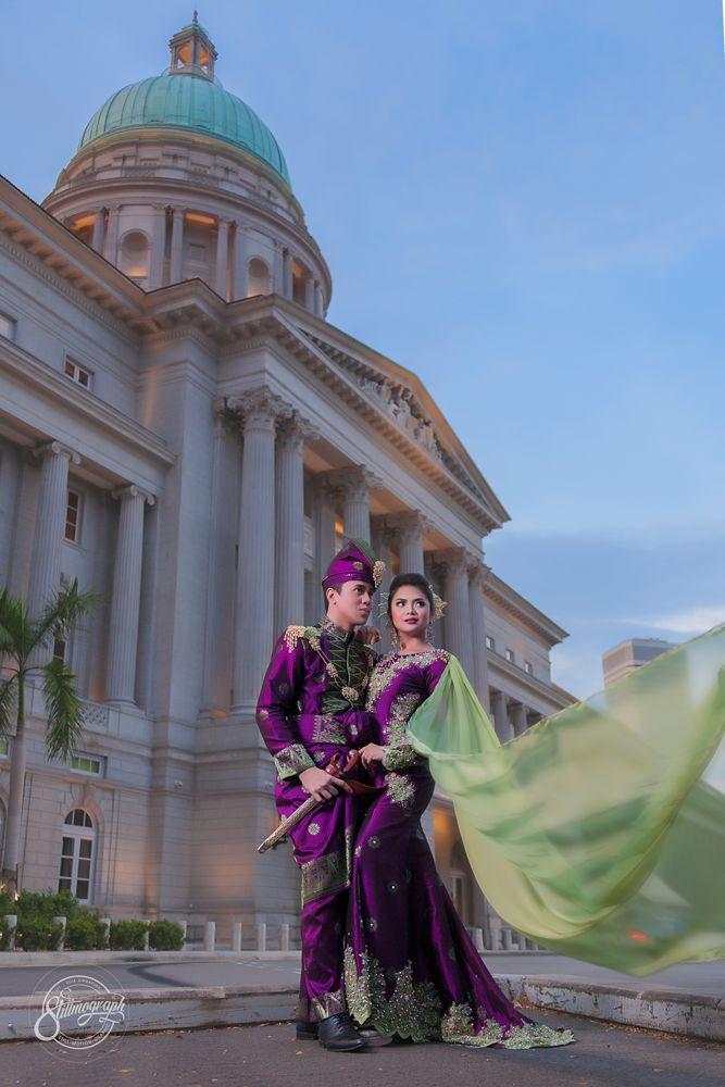 Outdoor Wedding Portraiture. Singapore Victoria Concert Hall