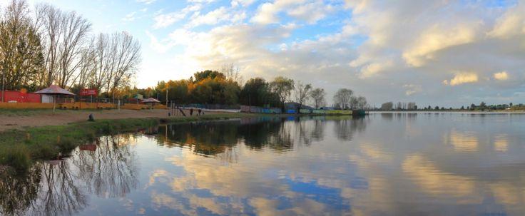 Laguna Avendaño otoñal, Quillón, Chile https://500px.com/photo/212645545