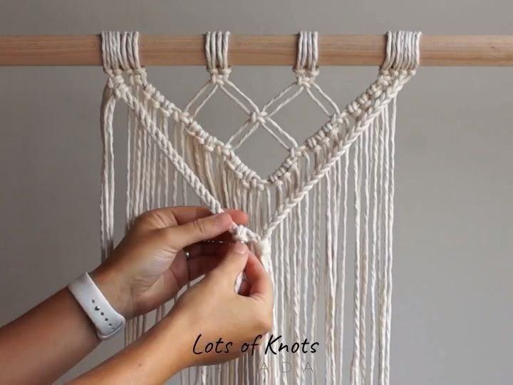 DIY EASY BEGINNER MACRAME WALL HANGING – LESS THAN 15 MINUTES TO MAKE – YouTube