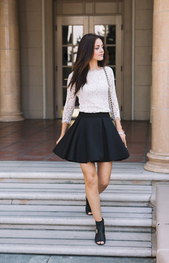 The best way to nail this look would be to wear a full-sleeved crop top with your skater skirt, add layers using a scarf, thigh-high stockings and ankle length boots. This skater skirt with crop top look is sure to add some heat to the chilly weather.