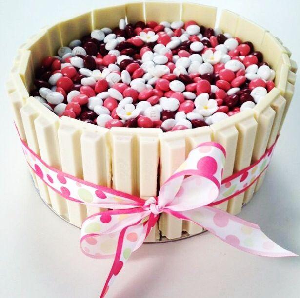 White Kit Kat & MnM cake