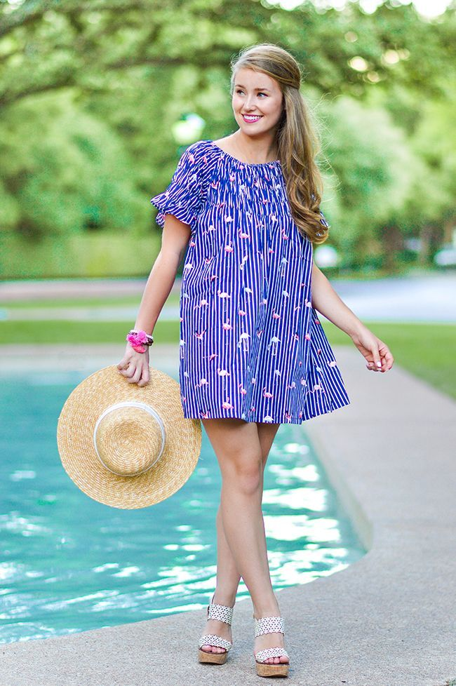 Flamingo Frock | how to style a flamingo dress | how to wear a flamingo dress | summer fashion | summer style | fashion for summer | style ideas for summer | warm weather fashion | fashion tips for summer || flamingo dress, j.crew beach hat, tory burch wedges || a lonestar state of southern