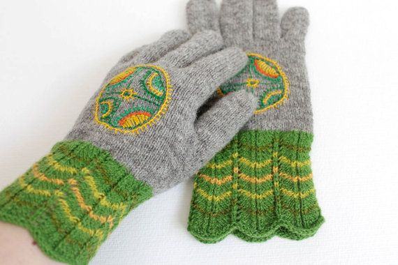 Hand knitted grey green gloves Rustic wool gloves Green