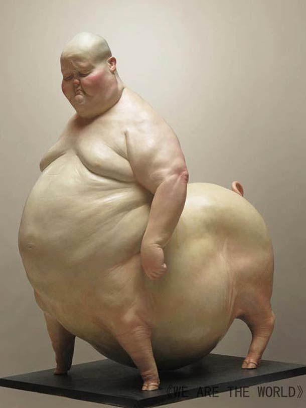 Les étranges sculptures réalistes de l'artiste chinoisLiu Xue, qui imagine des hybrides surréalistes entre humains et animaux... Des sculptures fascinantes