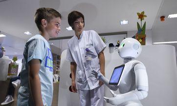 Pepper, el robot recepcionista de hospital en Bélgica - Tecnologia - Manufactura.mx